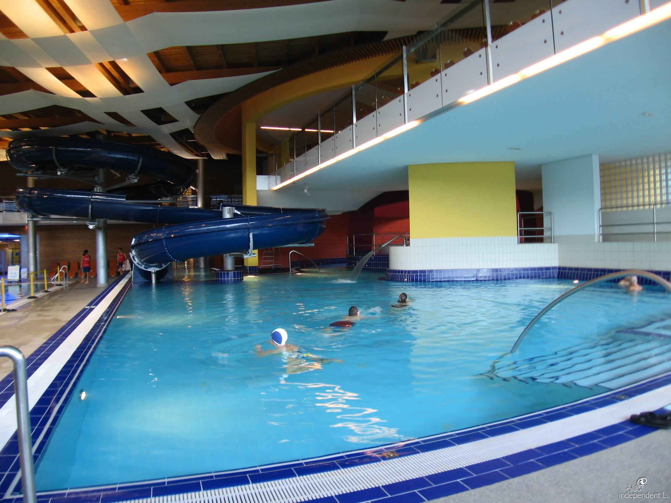 Acquarena indoor piscina sauna wellness beauty alto adige per tutti - Champoluc hotel con piscina ...