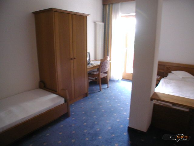 Garni Hotel Pension Holum