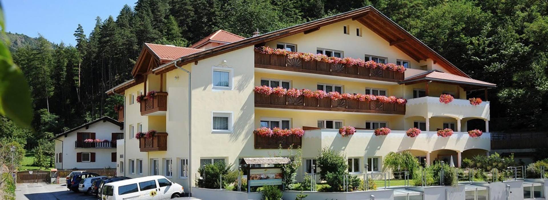 Saldur Small Active Hotel