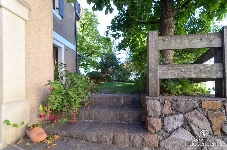 Servizi alto adige per tutti - Scale in giardino ...