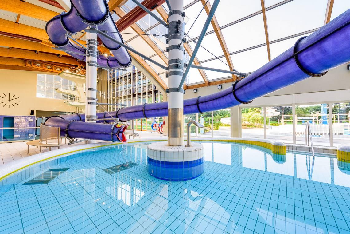Piscina coperta karl dibiasi alto adige per tutti - Hotel piscina coperta bambini toscana ...